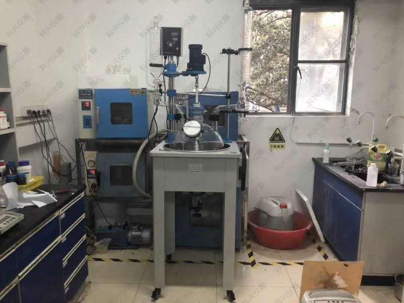 科兴单层玻璃反应釜与上海某单位合作现场...